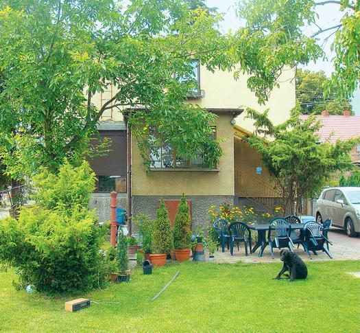 Salon zszedł do ogrodu