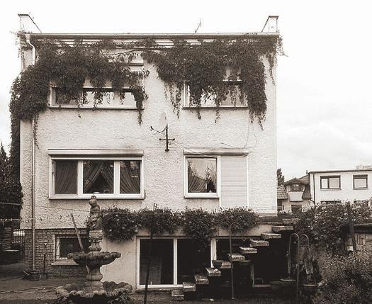 Dom z żaluzją