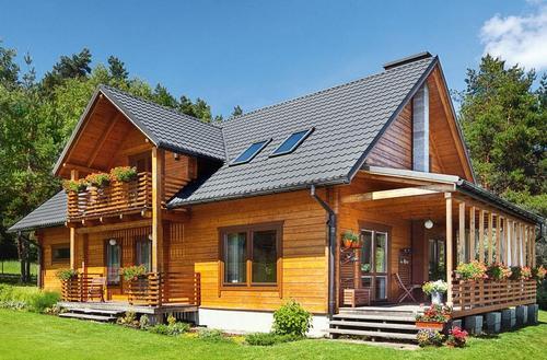 Kompletny dach z blachodachówki