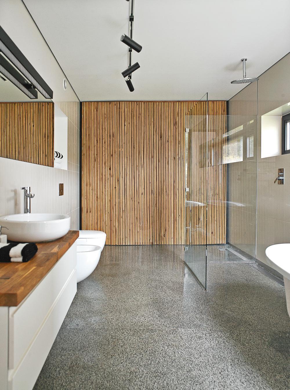 Pokój kąpielowy z prysznicem.jpeg