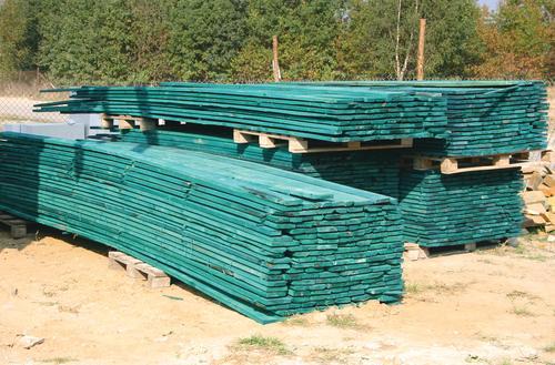 Impregnaty techniczne do drewna konstrukcyjnego