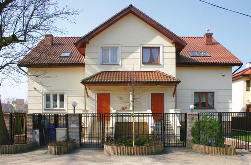Dom z sąsiadem