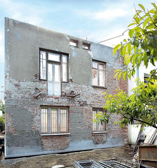 Cerowanie starych murów