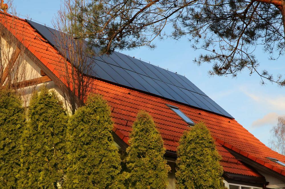 Dachy solarne