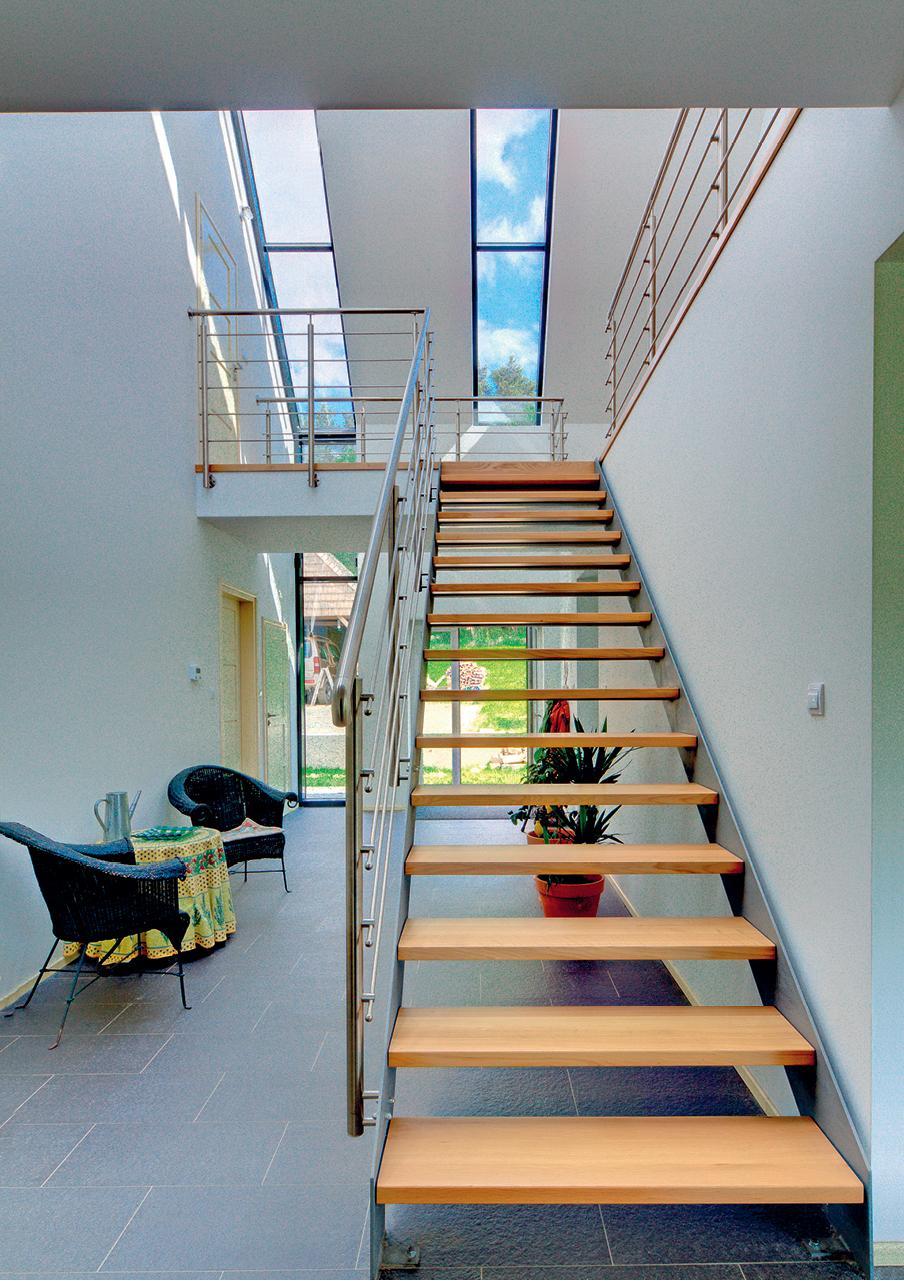 Konstrukcja, stopnie, balustrady