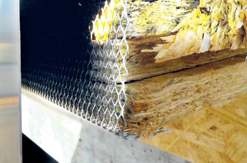 Wentylacja dachu z blachy płaskiej