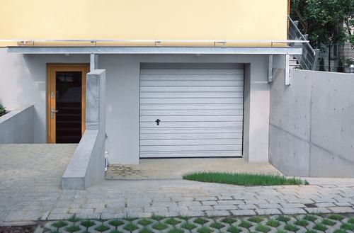 Wymiana bramy garażowej