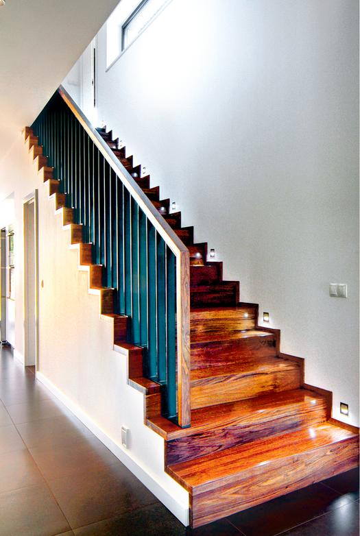 Jak kupować drewniane stopnie schodów