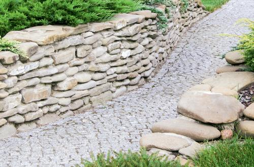 Ścieżką poprzez ogród