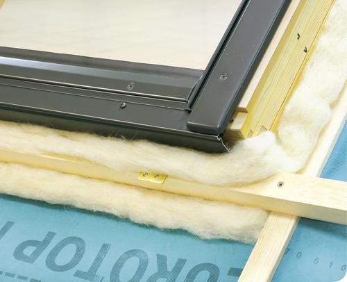 Ciepły montaż okien dachowych