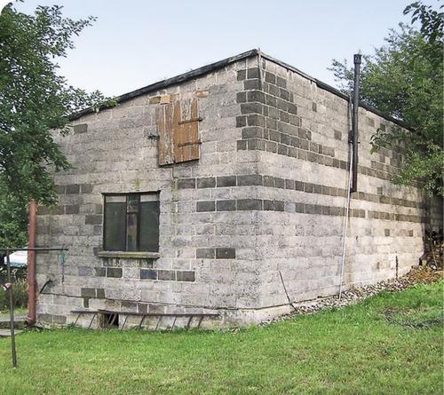 Dom w starej ślusarni