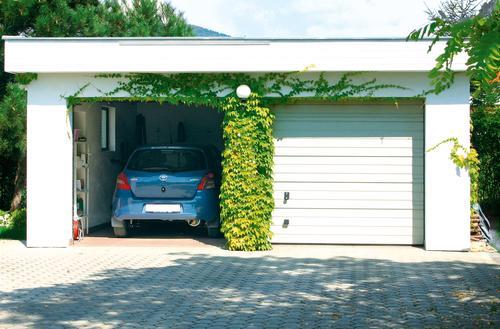 Z wygodnym garażem