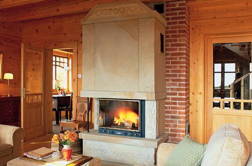 Must have współczesnego domu – kominek