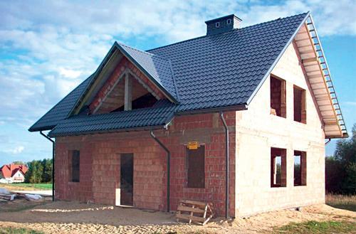 Skośny dach z betonu